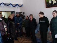Уполномоченные поздравили детей Дома ребенка, расположенного на территории женской исправительной колонии г. Вольска, с новогодними праздниками