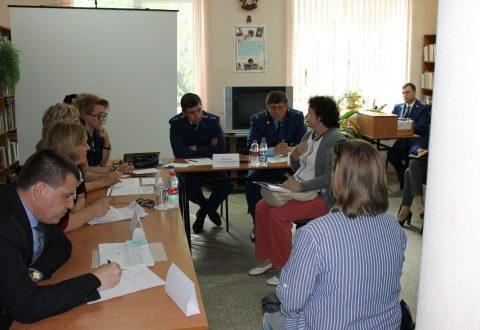 Уполномоченные по правам человека и ребенка совместно с прокурором Саратовской области посетили Советский муниципальный район