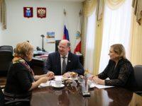 Состоялась встреча Председателя Саратовской областной Думы  Ивана Кузьмина с уполномоченными по правам человека и по правам ребенка в Саратовской области