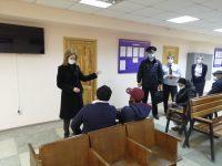Уполномоченный по правам человека в Саратовской области Надежда Ивановна Сухова посетила Миграционный центр УВМ ГУ МВД России по Саратовской области